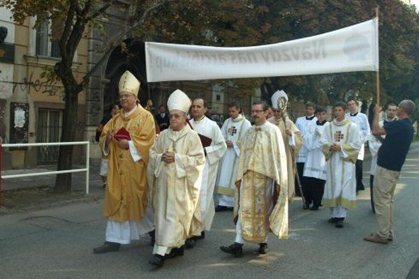 Od augusta má Trnavská arcidiecéza oficiálne nového biskupa.