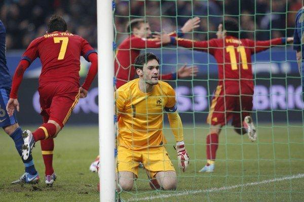 Španieli sa tešia z víťazného gólu.