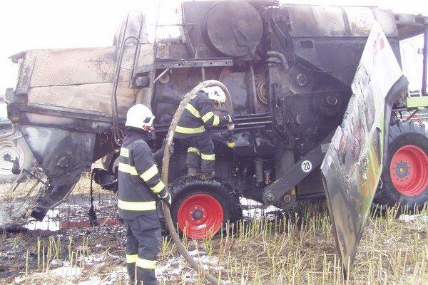 Hasiči najčastejšie zasahovali pri požiaroch.