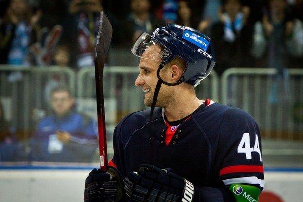 Sekera sa vracia do NHL.