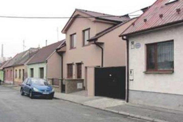 Susedské problémy na Osvaldovej ulici v Trnave vyrieši až súd.