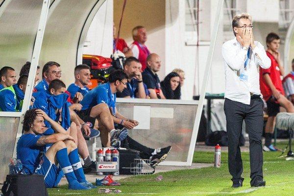 Tréner Galád so svojím tímom.