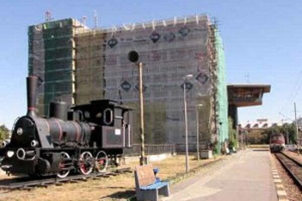 Práve prebiehajúca rekonštrukcia administratívnej budovy stanice nijako nezasahuje do jej fungovania.