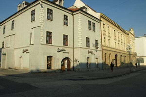 Budova Prachárne na Trojičnom námestí v Trnave.