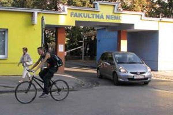 Nemocnica v Trnave pripravuje krízový plán.