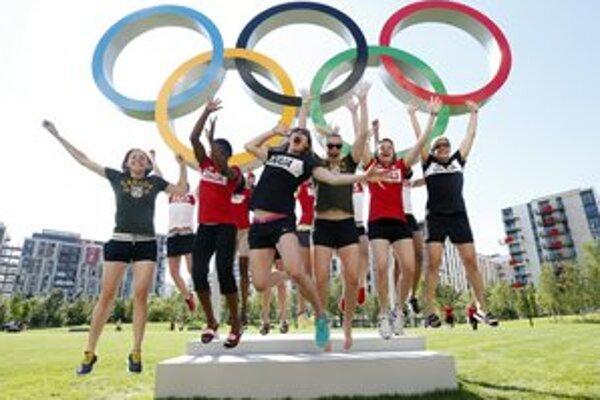 Olympijská dedina v Londýne sa už zapĺňa. Športovci bývajú v novej rezidenčnej štvrti neďaleko olympijského parku.