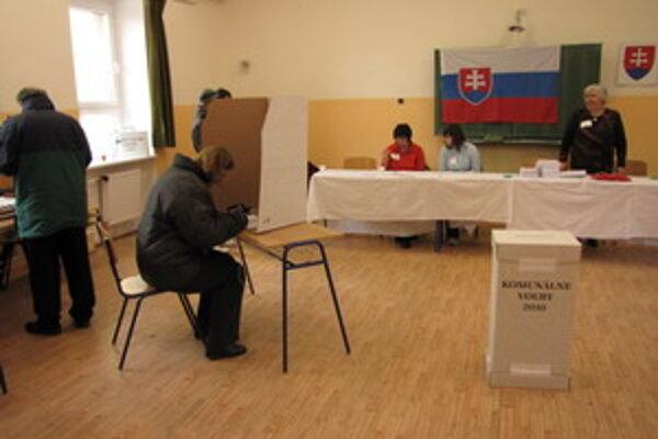 Volebná účasť sa v Piešťanoch pohybuje okolo desať percent.