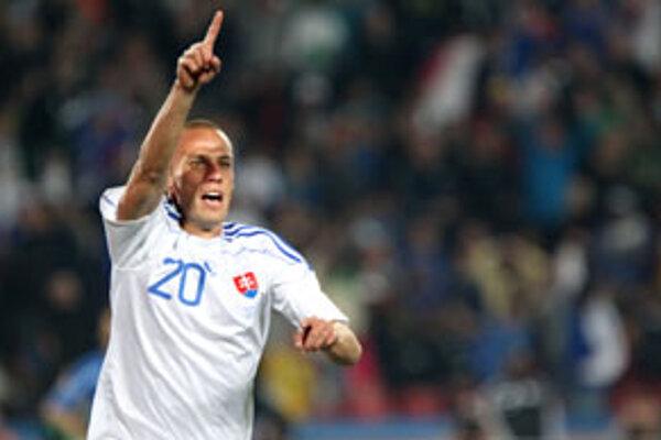 Kamil Kopúnek sa raduje po tom, čo strelil gól v zápase majstrovstiev sveta vo futbale v Juhoafrickej republike na štadióne Ellis Park, medzi tímami Slovenska a Talianska.