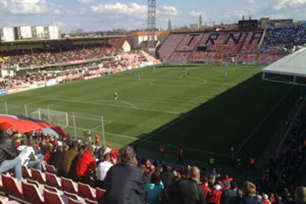 Štadión Spartaka zostal takmer prázdny.