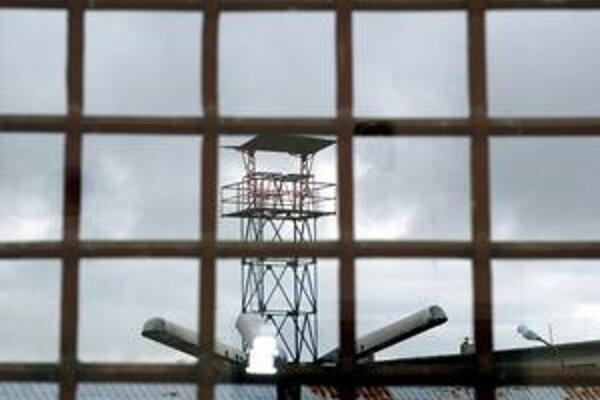V Leopoldove neustrážili väzňa.