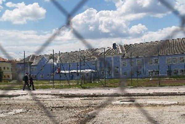 Obyvatelia sa o úteku väzňa dozvedeli až z médií.
