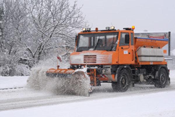 Tohtoročná zima vyšla Správu a údržbu ciest Trnavského samosprávneho kraja na 3,35 milióna eur.