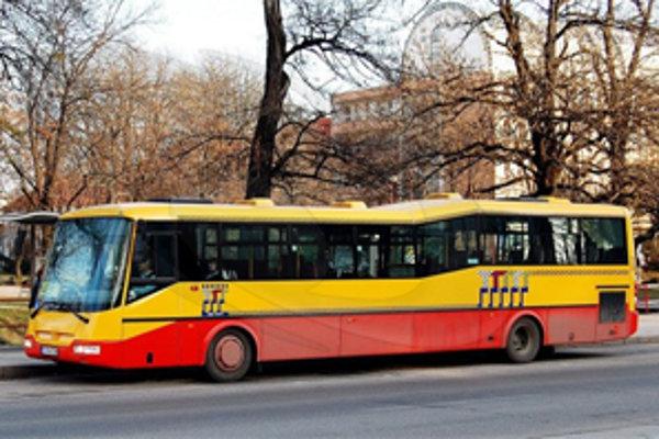 Preferenčné pruhy pre autobusy by na Hospodárskej ulici mali pribudnúť v blízkej budúcnosti.