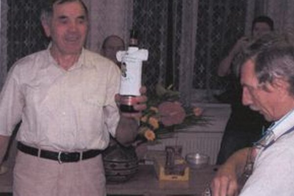 Jozef Beránek (vľavo) pri oslave životného jubilea.