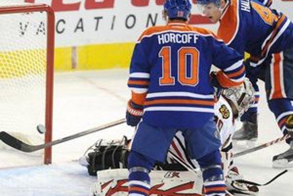 Hráči Edmontonu nedali pred zápasom lídrovi priebežného poradia NHL Chicagu šancu a rozdrvili ho jednoznačne 9:2.