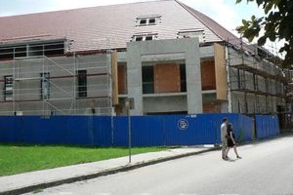 Stavebné práce opäť pokračujú.