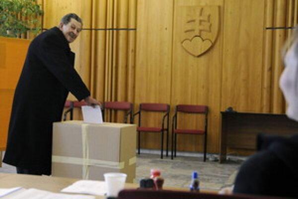 Na Slovensku sa skončili voľby do EP. Boli bez problémov, no s nízkou účasťou.