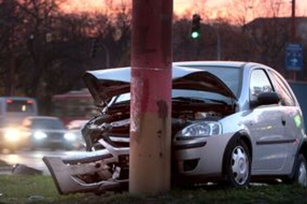 Počet dopravných nehôd klesol.