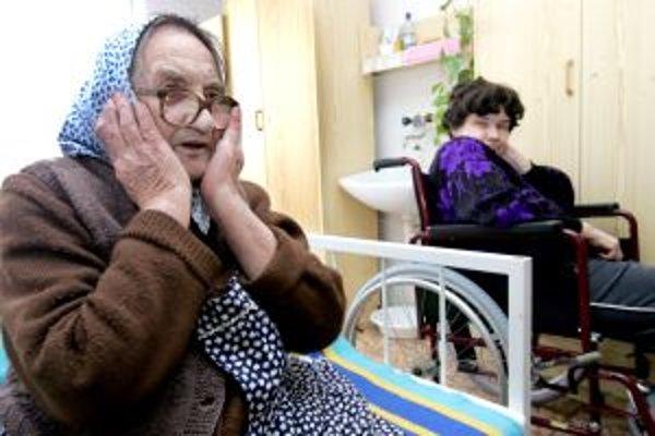 Dôchodcovia by mohli privolať pomoc jedným tlačidlom