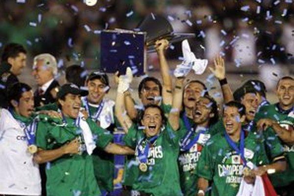 Futbalisti Mexika vyhrali finálový zápas 4:2.
