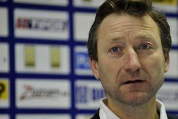 Kapitán Miloš Mečíř sa s tímom Slovenska snaží o návrat do 16–člennej svetovej skupiny Davisovho pohára.
