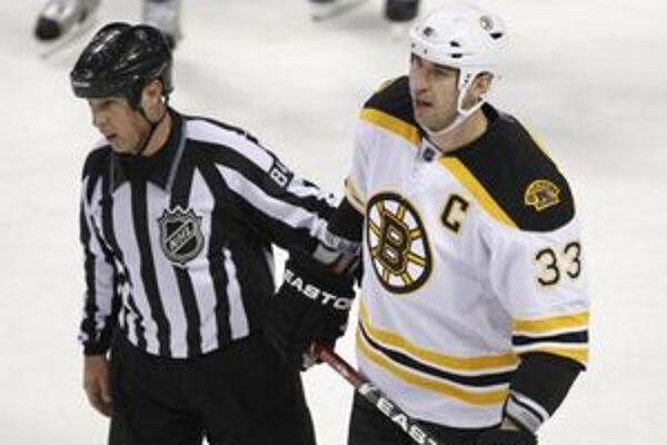 Boston vedený kapitánom Zdenom Chárom prehral na ľade Montrealu.