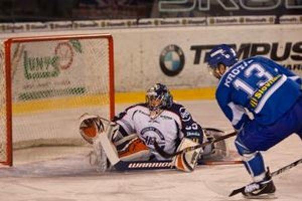 Július Hudáček držal aj v treťom finále Košice dlho v hre, ale napokon sa z výhry 2:1 po predĺžení tešil domáci Poprad.