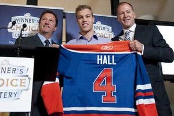 Minuloročná draftová jednotka Taylor Hall.