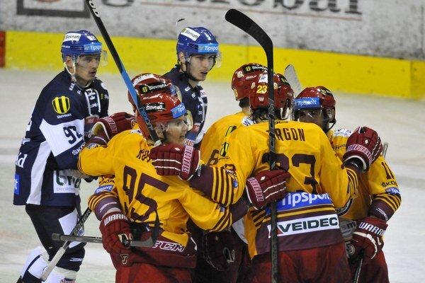 Trenčín v prvom zápase nového ročníka najvyššej hokejovej súťaže herne ani výsledkovo nesklamal.