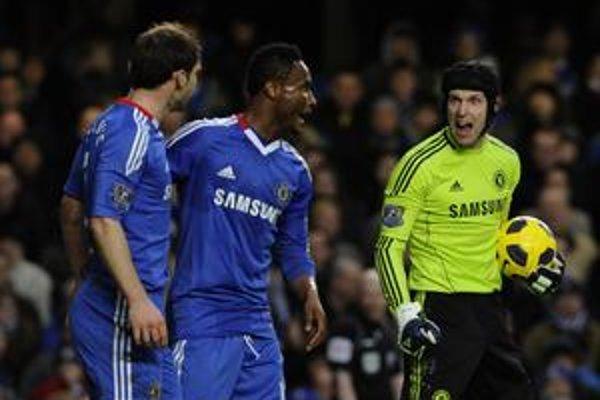 Futbalisti Chelsea nestrácajú nádej na titul.