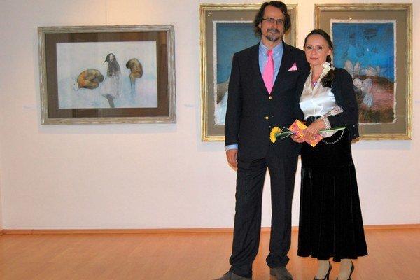 Katarína Vavrová vystavuje svoje obrazy v trenčianskej galérii.