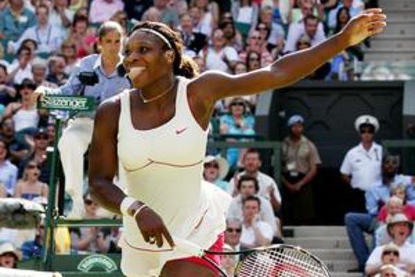 Serena Williamsová má vo Wimbledone šancu vyhrať po štvrtýkrát.