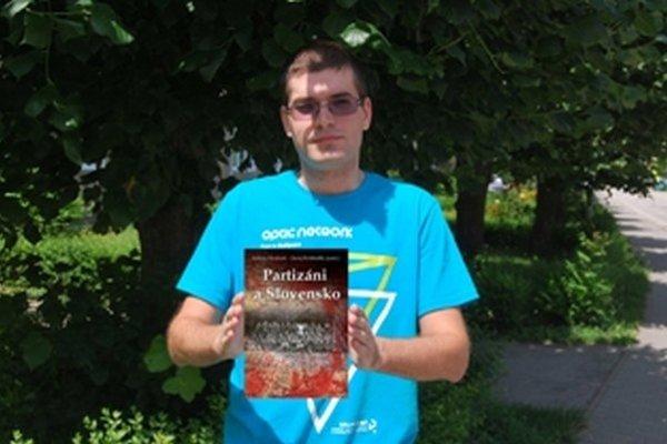 Spoluautorom knihy je historik Juraj Krištofík zo Starej Turej