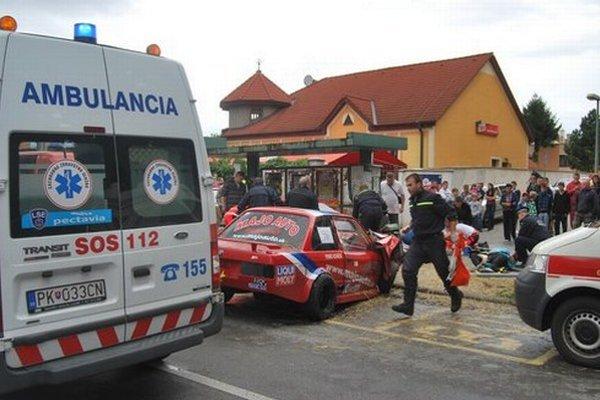 Nehoda pretekárskeho auta.