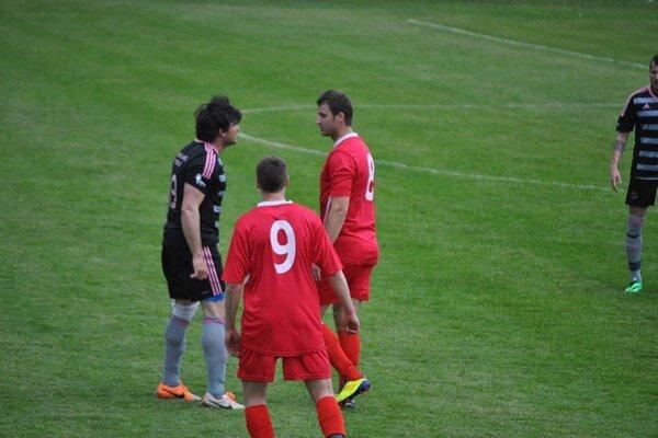 Tr. Teplice (v čiernom) nadelili Partizánskemu päť gólov.