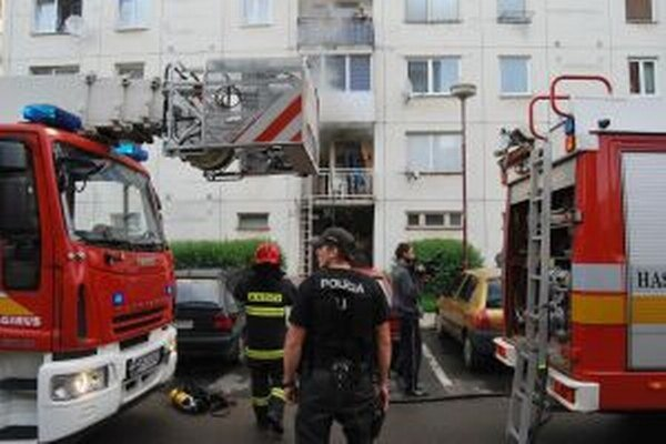 Na Sládkovičovej ulici horel byt.