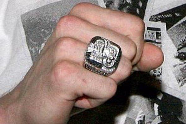 Prsteň Tomáša Kopeckého, ktorý získal ešte ako víťaz Stanley cupu s tímom Detroit Red Wings.