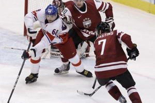 Lotyšským hokejistom nevyšiel proti Čechom úvod.