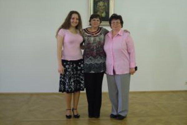 Trojica víťaziek zo súťaže Vansovej Lomničky.