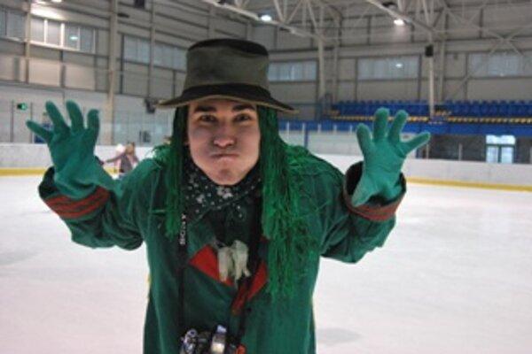 V maske vodníka sa predstavil devätnásťročný Novomešťan Jakub Tinka.