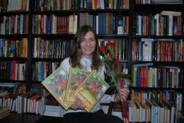 Zuzana Šinkovicová napísala knihu povestí a rozprávok Kráľovská koruna.