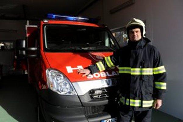Na snímke veliteľ dobrovoľných hasičov Ján Sivák