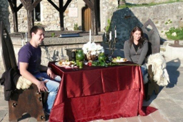 Vlaňajší výhercovia večere na Trenčianskom hrade.