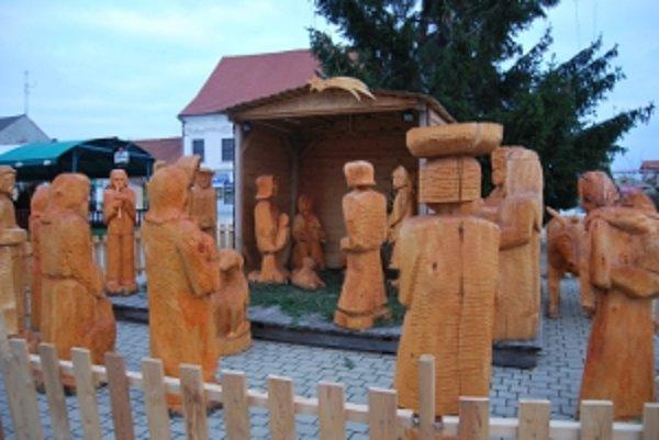 Novomestský betlehem má už cez tridsať postáv a je pravdepodobne unikátnym na Slovensku.