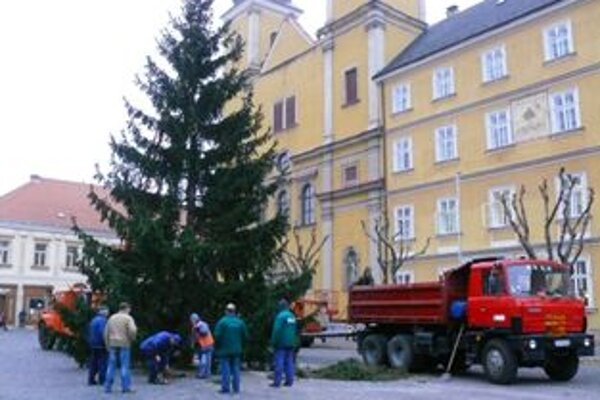 Vianočný stromček rozsvietia 2. decembra.