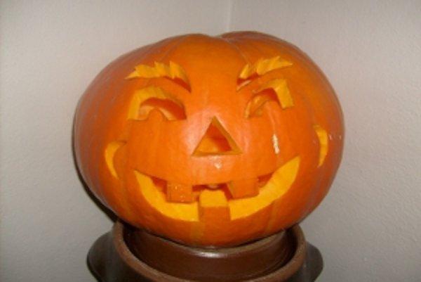 Vyrezávanie svetlonosov bolo v jesennom období u nás známe už pred udomácňovaním sa Halloweenu.