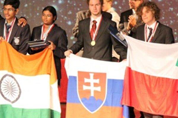 Zo svetových olympiád si Peter Kosec priniesol dve zlaté a jednu bronzovú medailu.