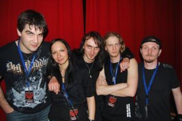 Sabinu Břeskú Metalovú klávesáčku kapely Ascendancy si jej členovia hýčkajú.