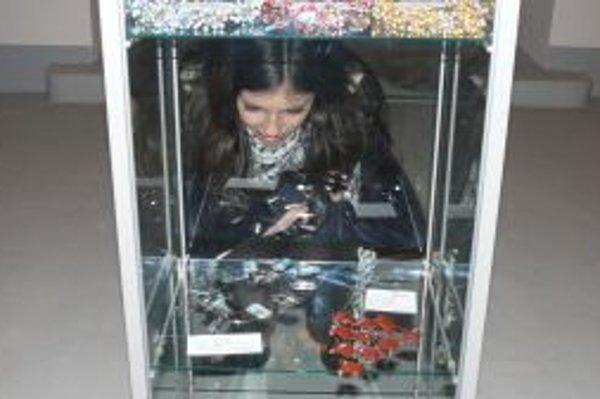 Strieborné šperky sú v Art centre synagóga do 16. januára.