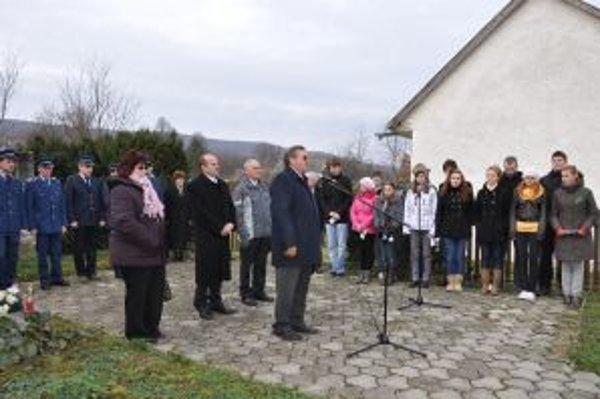 Pietna spomienka pri pamätníku obetiam druhej svetovej vojny v Selci.